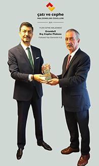 Fullboard Genel Müdürü Ödüllerini Aldı